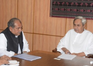 Union minister Tomar with Odisha Chief Minister Naveen Patnaik