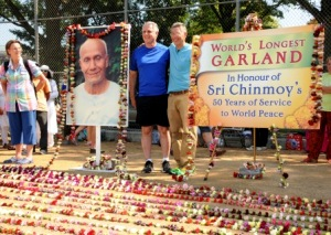 World's longest garland (photo by Bijoy Imhof)