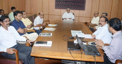 Chief Minister  Naveen Patnaik watching a presentation on construction of High Rise Office Building in Unit-V (In front of Nirman Saudha) at Secretariat on Wednesday (Pic; Biswaranjan Mishra)