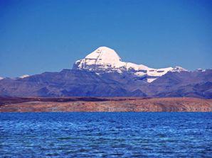 Lake Mansarovar & Mount-Kailash  (source-thewanderingjen.com)