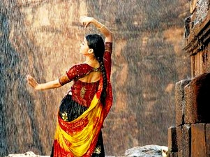 Aish in rain song