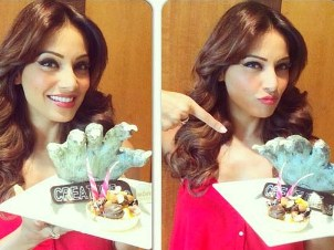 Bipasha Basu with cake
