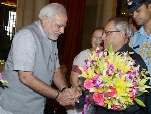 President Pranab Mukherjee meeting PM Modi before his ceremonial departure for the State Visit to Vietnam (PIB pic)