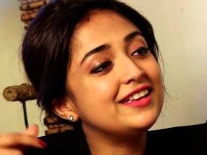 Monali Thakur ( source-youtube)