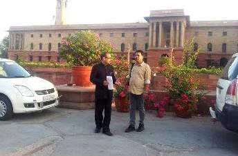 Petitioner Alok Jena and RTI activist Jayanta Das after meeting the CBI director in New Delhi