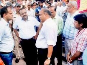 IG Intelligence S Priyadarshi (R) with Puri Collector A. Agarwal at Singhadwar