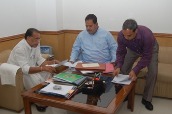maharathy with agri minister