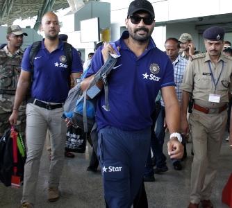 Opener Murali Vijay arriving at the Biju Patnaik airport in Bhubaneswar on Thursday morning. (Pic: Biswaranjan Msihra)