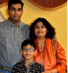 File pic- Pallavi, Sumit Dhawan with son