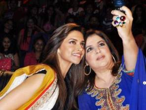 Farah with Deepika taking a selfie