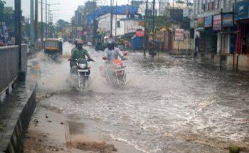 A road in Bhubaneswar flooded by heavy rains. (Photo: Biswaranjan Msihra)