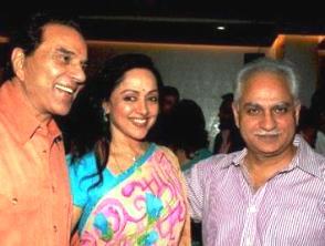 Ramesh Sippy with Hema & Dharam