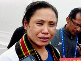 Sarita Devi in tears after the semi final bout