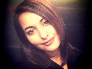Sonakshi's  new hair-do