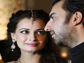 Dia with hubby Sahil ( courtesy-jagran.com)