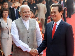 PM Modi with the Prime Minister of Socialist Republic of Vietnam, Nguyen Tan Dung (PIB)