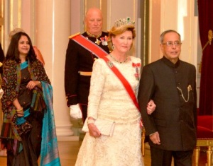 President Mukherjee being escorted King Harald V & Queen Sonja at Royal Palace, Oslo, Norway (PIB)