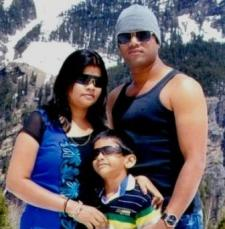 Raju Saha with his wife Manasi and son Saurabh