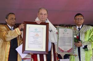 Nobel Laureate Prof Ferid Murad  being honoured