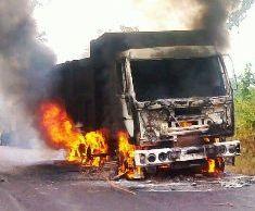 maoists burn vehicle