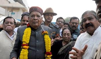 Former Chief Minister JB Patnaik at the Bhubaneswar airport after his return from Guwahati on Thursday afternoon (ic: Biswaranjan Mishra)