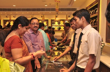 Khimji inaugurates its grand new store at Chandrasekhapur-4