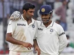 dhoni with ashwin