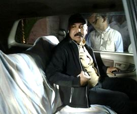 CBI joint director Rajiv Singh leaving the CBI office in Bhubaneswar after day-long discussions with local officials on the future course of the probe in the chit fund scam (Pic: Santosh Jagdev)