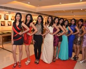 Khimji Miss Odisha India-2015 finalist atKhimji Jewellers Saheed Nagar Store-4