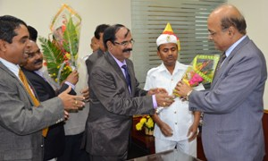 chief secy  being greeted