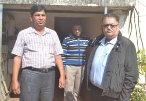 Rakesh Chopra (in black jacket) who was arrested by EOW for cheating his former company for Rs 30 crores (Pic: Biswaranjan Mishra)
