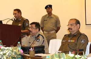 police officers meet