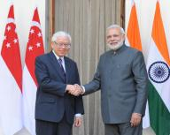 SINGAPORE PM WITH MODI
