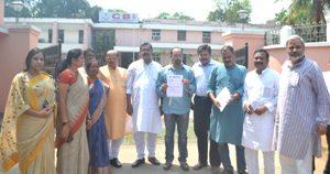 "BJP leaders in front of the CBI office in Bhubaneswar on Tuesday Pic:"" Biswaranjan Mishra"