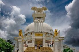 The White Pagoda at Dhauligiri on the outskirts of Bhubaneswar  commemorates the Kalinga War in 3rd century BC