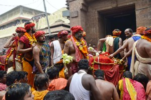 Lord Jagannath's daru reached the Shrimandir this morning