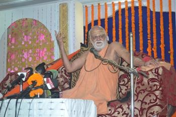 The Shanakaracharya addressing a press conference in Bhubaneswar on Saturday (OST Photo)
