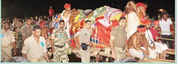 The passage of Subhadra daru threw traffic haywire in Bhubaneswar