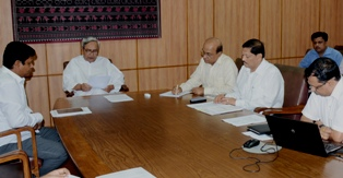 Chief Minister  Shri Naveen Patnaik reviewing on Activities ofInformation Technology Department at Secretariat