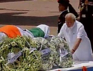Modi paying tribute to Kalam