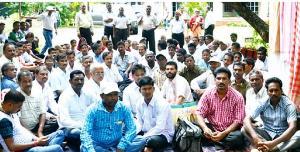 teachers on dharna