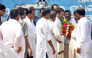 Rahul Gandhi being welcomed by Congress leaders on his arrival from Jharsuguda on Friday morning. (OST Photo)