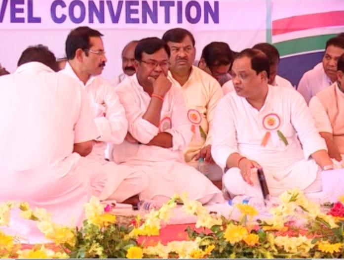 Bhakta-Prasad spat at MNREGS meet