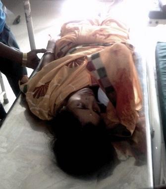 puri_ bus runs over woman's hand