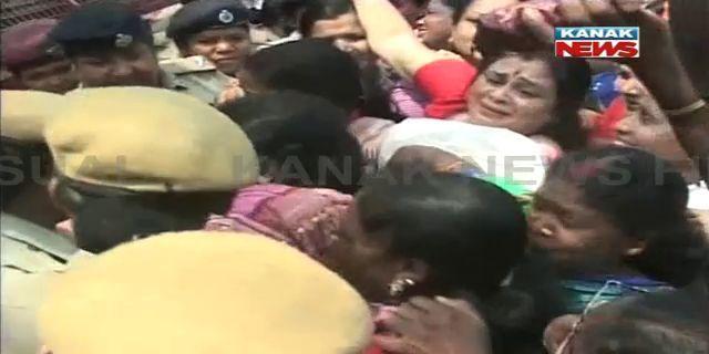 BJP police faceoff Sambalpur1
