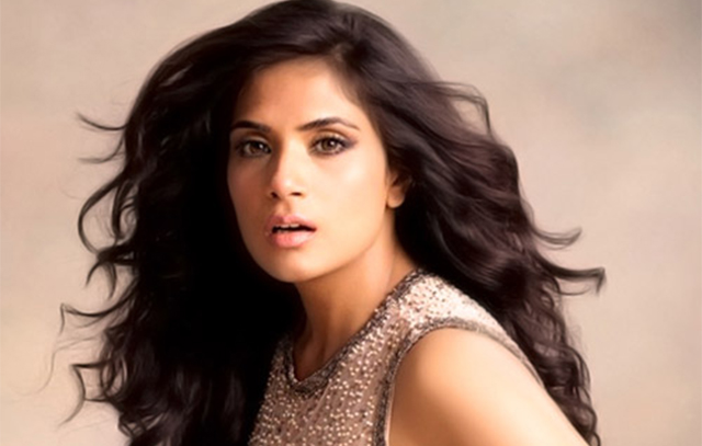 bollywood-actress-richa-chadha-detained-at-delhi-airport