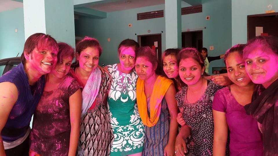 girls holi