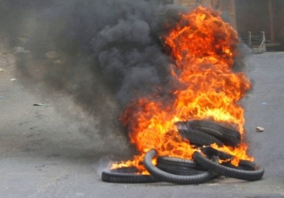 tyre burning bandh Congress