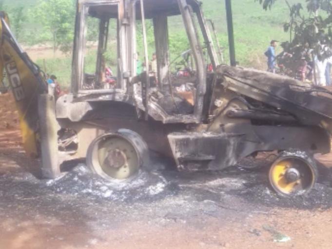 Maoists ransack contractor camp in Odisha's Rayagada ...