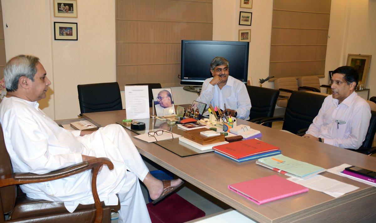Arvind subramanian with naveen patnaik